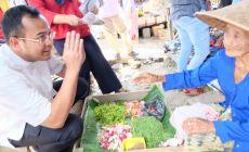 Permalink ke Berkunjung ke Pasar Tugumulyo, Pedagang Keluhkan Dua Hal Pada Cawagub Sumsel Irwansyah