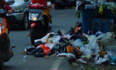 Permalink to Peraih Adipura, Dengan Sampah Berserakan di Pinggir Jalan Kota Lahat