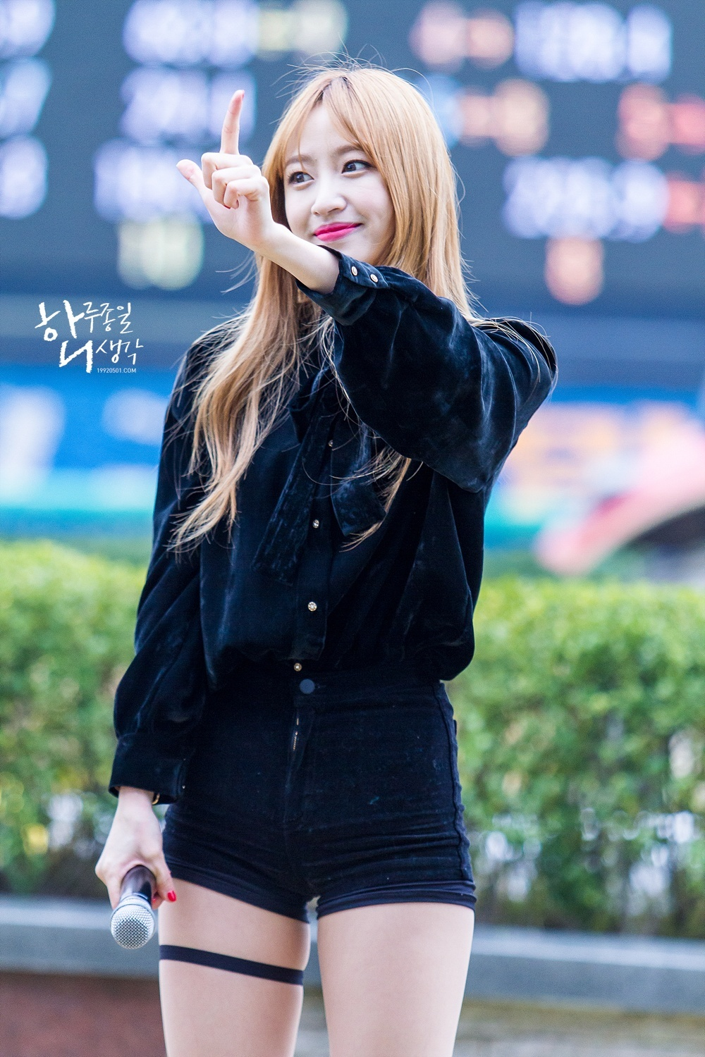 12 Photos Reveal Exid Hani S New Dirty Blonde Hairstyle