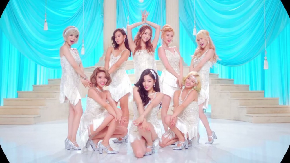 "Girls' Generation's ""Lion Heart"" MV"
