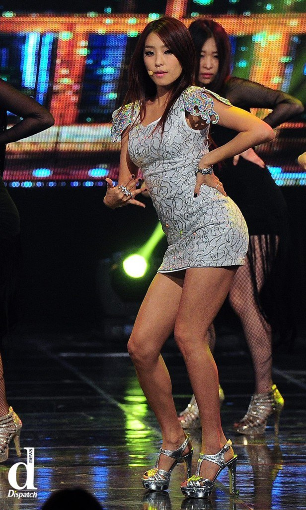 SISTAR Soyou Vs Bora Who Has The Best Body Proportions