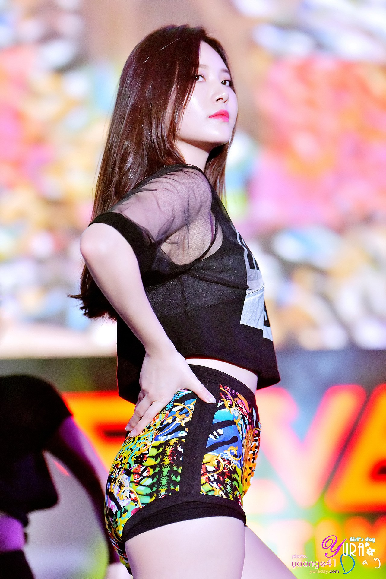 Girl's Day Yura's rainbow neon shorts are the talk of the town - Koreaboo