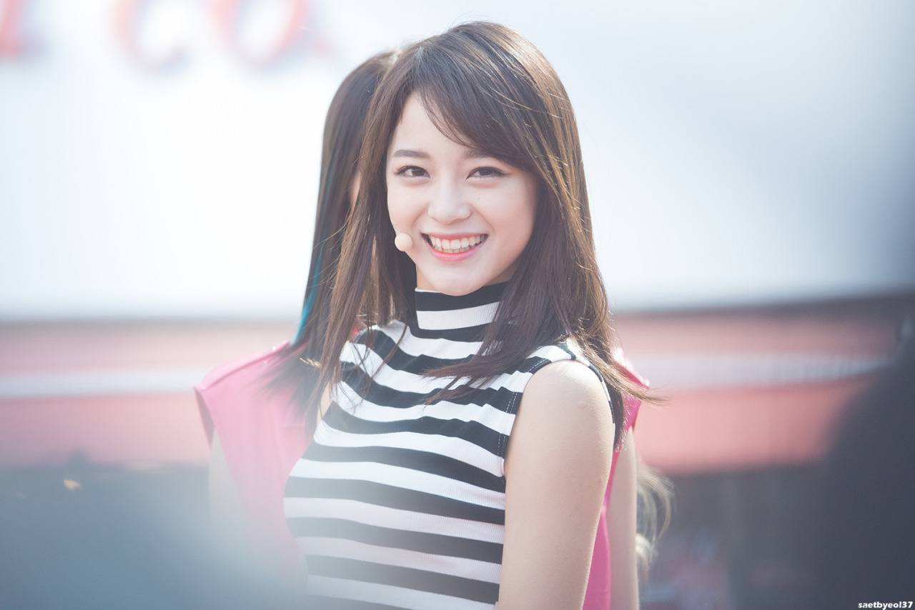 Girl Side Face Wallpaper 5 Pictures Of I O I Sejeong S New Metallic Silver Hair