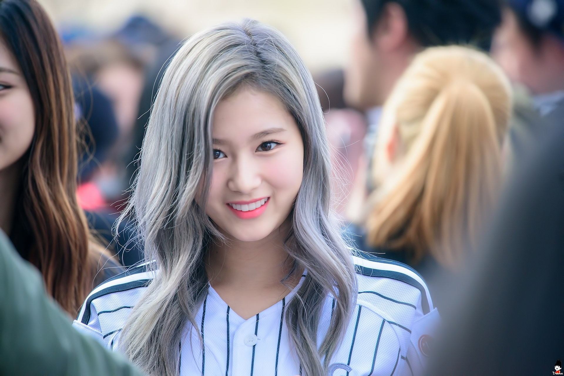 Tinkerbell Fall Wallpaper 10 Times Sana Changed Her Hair Color Since Debut Koreaboo
