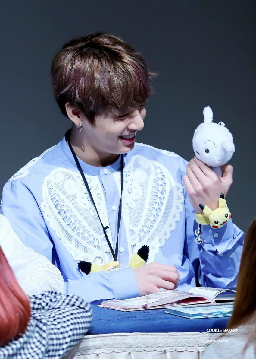 Little Boy Cute Wallpaper Jungkook S New Shirt Had Fans Chasing Him With Their