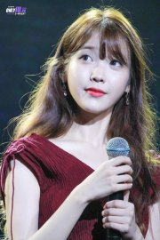 8 times iu changed hairstyle
