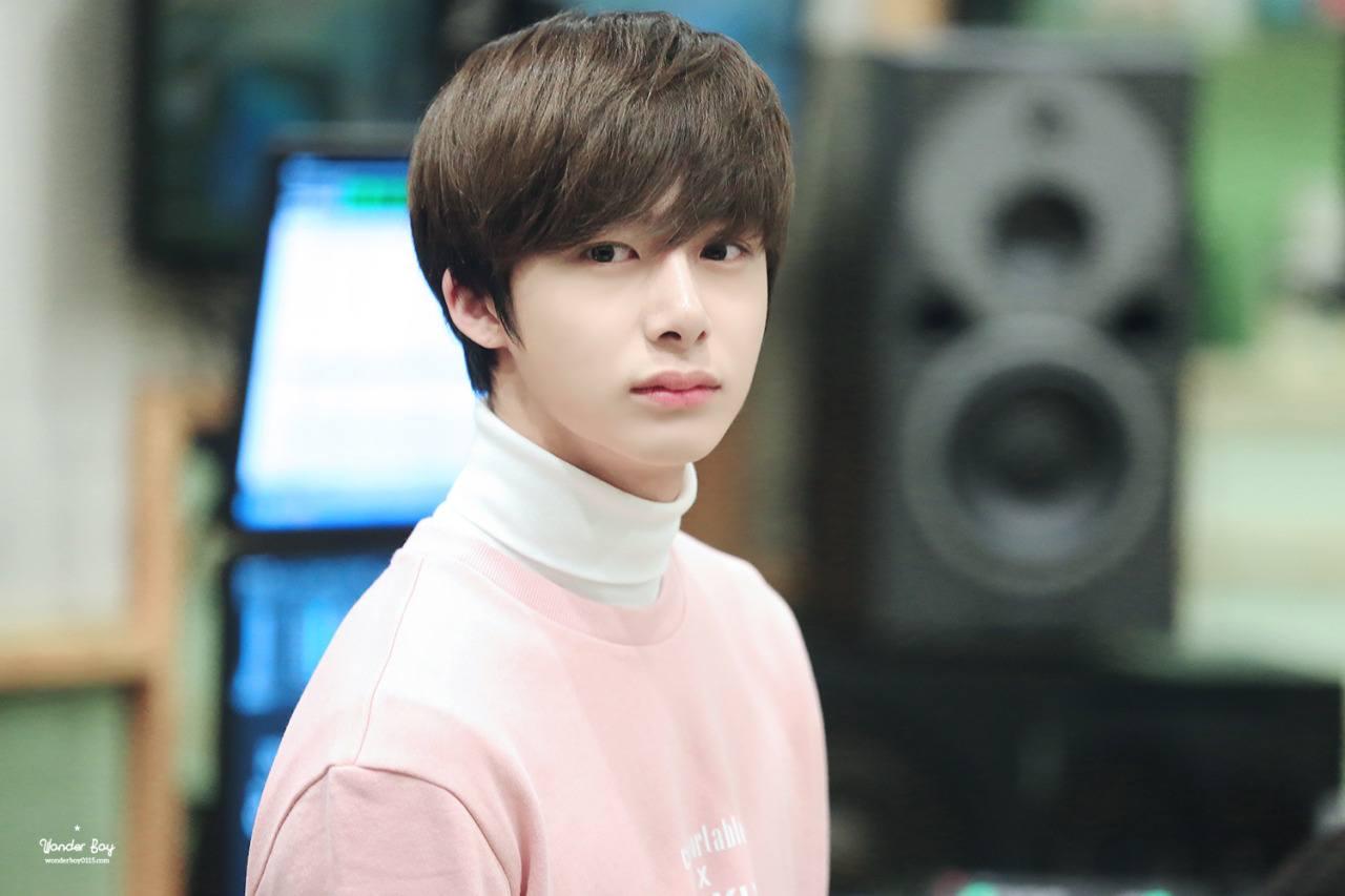 Wallpaper Song Joong Ki Cute Monsta X Hyungwon Suffers Ankle Injury Overseas Schedules