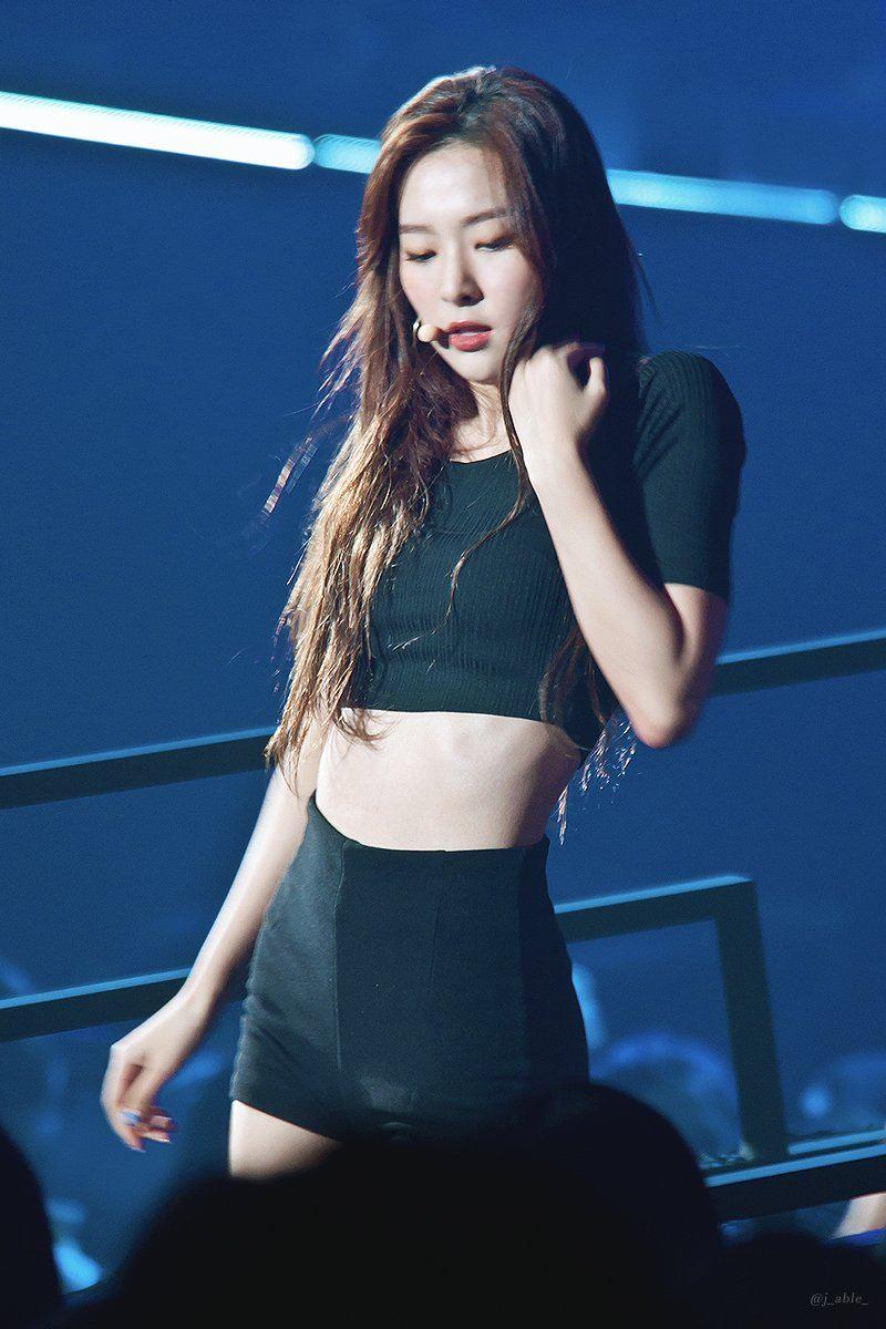 Korean Girl Full Hd Wallpaper Red Velvet Seulgi Got Steamy In Little Black Shorts For