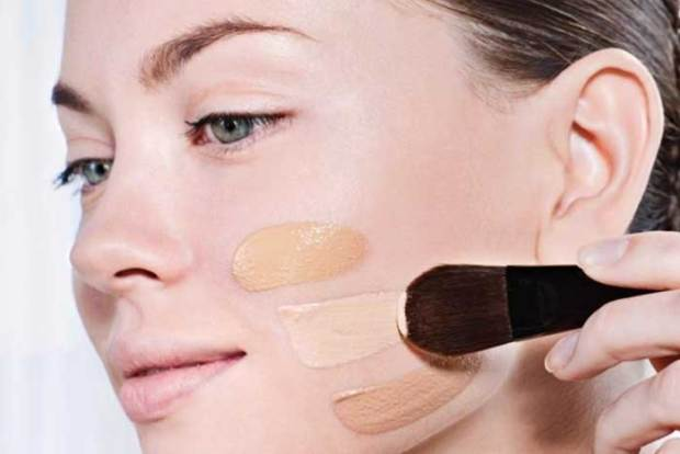 The Proper Way to Apply Liquid Foundation