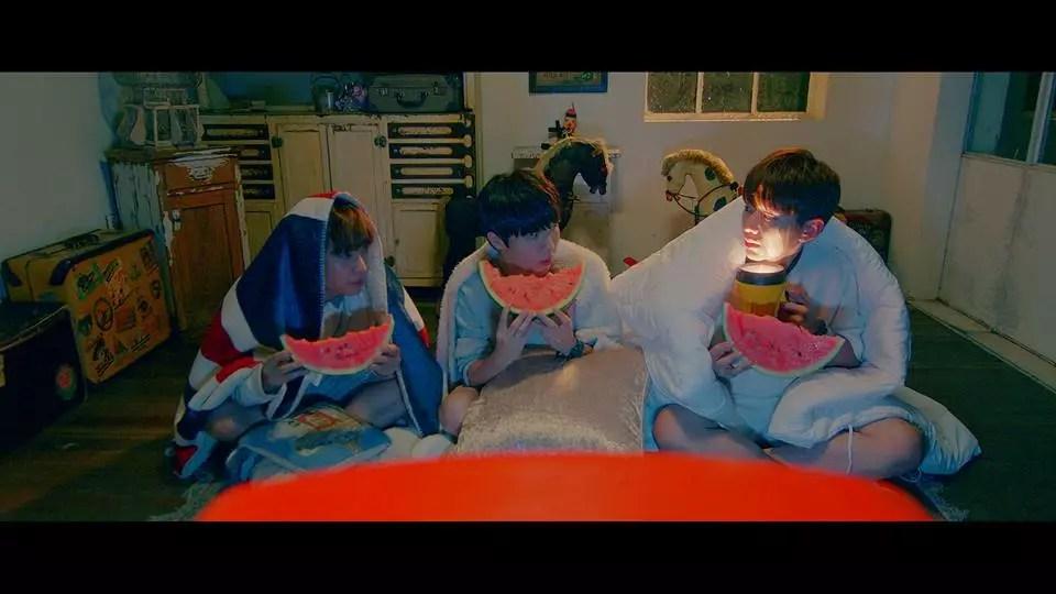 Yu-Seung-Woo-avec-Kihyun-monsta-x-et-jeongmin-boyfriend-MV-de-Youre-beautiful