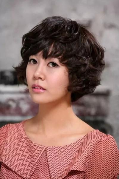 Choi-Yoon-Young-01