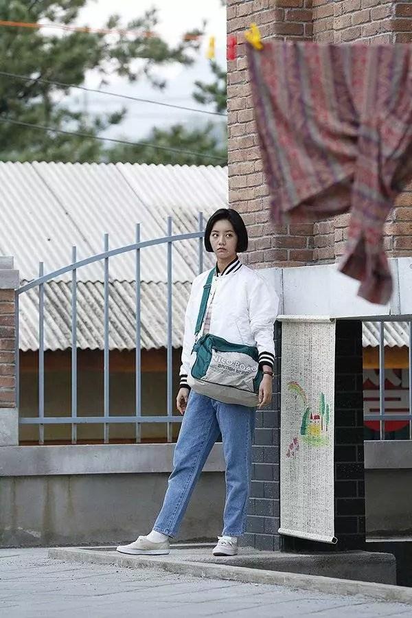 Hyeri-lee-se-young_1442372409_af_org