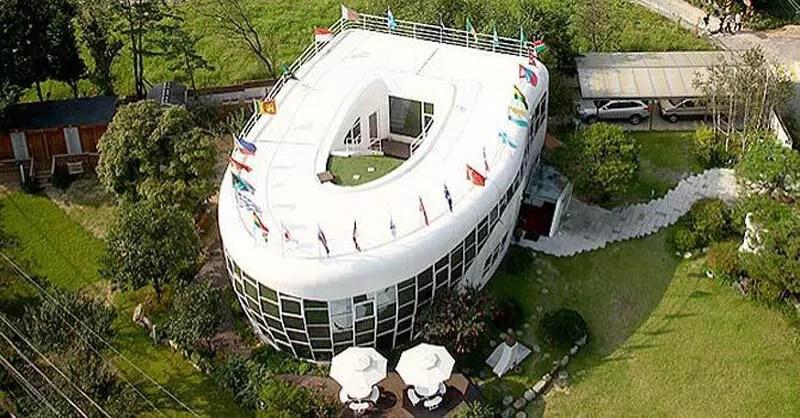 South-Korea-Builds-a-Toilet-Theme-Park-09