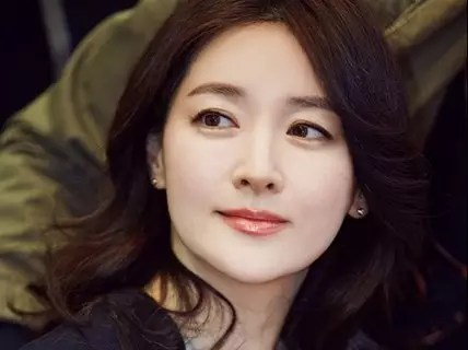 8-19_lee_young_ae_1