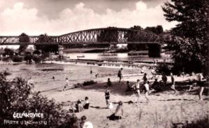 Čelákovice - železniční most