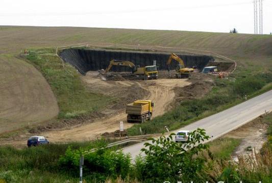 Prostor severního portálu sudoměřického tunelu. 8.9.2013    Autor: Jakub Svoboda, 4koridor.cz