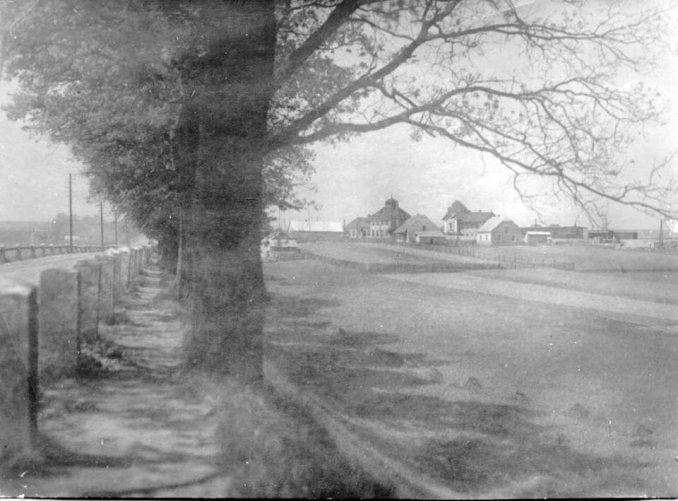 Foto z hráze Splavského rybníka, nedatováno. (Foto: sbírka Milana Šebora)