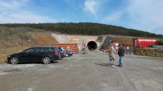Západní portál Ejpovického tunelu - první proražený tubus