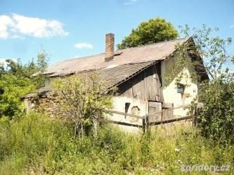 Chotoviny - strážní domek č. 63 pohledem od místní komunikace, propojující obce Chotoviny a Rzavá.
