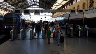 Nádraží Marseille Turnikety na nástupiště TGV (Autor: Luboš Sládek, koridory.cz)