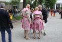 Німецька пара художників Ева та Адель на відкритті бієнале в Джардіні.