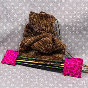Double pointed Knitting Needle Holder, Bright Pink Leopard Print