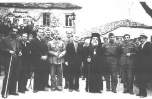 Η Κυβέρνηση του Βουνού (1944): στο κέντρο της φωτογραφίας ο Καθηγητής Αλέξανδρος Σβώλος