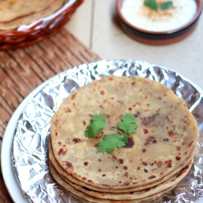 Aloo Paratha Recipe – Potato Stuffed Flatbread Recipe