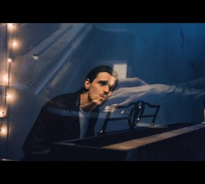 Patrick Droney – Glitter lyrics