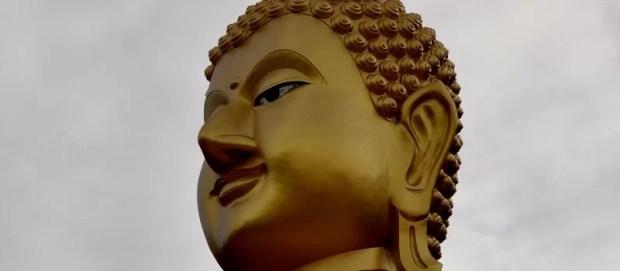 Il a un grand nez ce Bouddha dis donc !