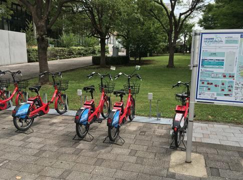 サイクルポストに並ぶレンタルサイクル