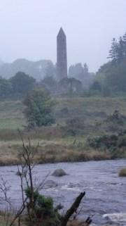 Vanhan luostarin rauniot Glendalough