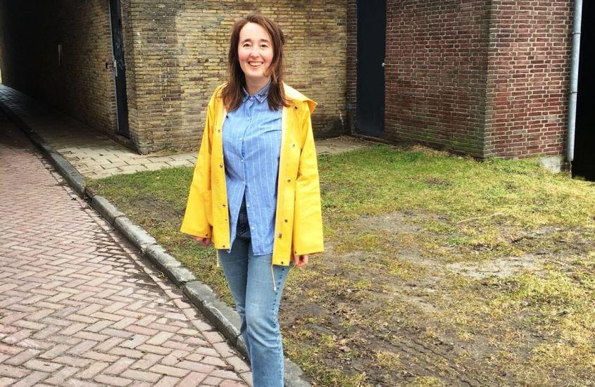 Fair fashion look: het meisje met de gele regenjas