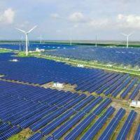 """Αιολικά και """"πράσινη"""" ανάπτυξη έβαλαν φωτιά στους λογαριασμούς ρεύματος και φυσικού αερίου – Του Χρήστου Κολοβού"""
