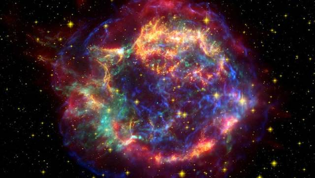 Cassiopeia_A_Spitzer_Crop