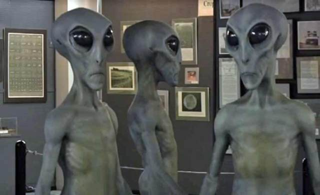 roswell-aliens-pictures-1536