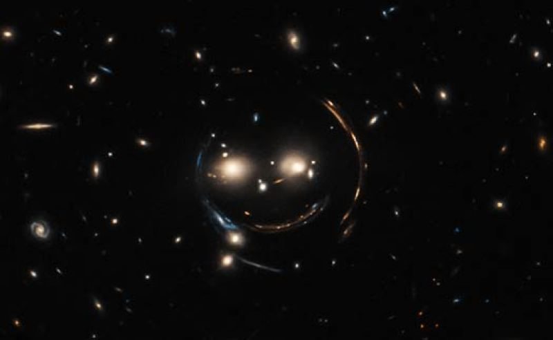 cheshire-cat-optical-hubble
