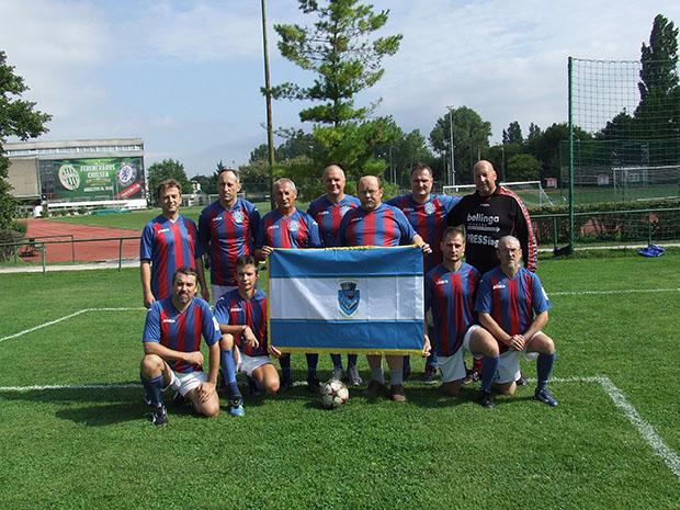 A Pressing a Ferencváros sportkomlexumában, a 2015-ös Magyar Újságíró-válogatott elleni találkozó előtt