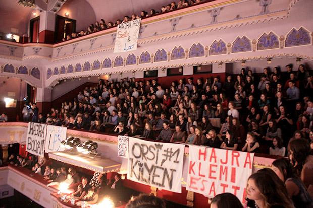 Városi Gólyabál 2016-Szurkolócsoportok bíztatták kedvenceiket