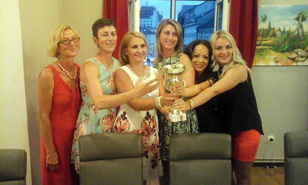 Zsók, Moldovan, Biró, Dan, Iuga és Kozma a bajnoki trófeával