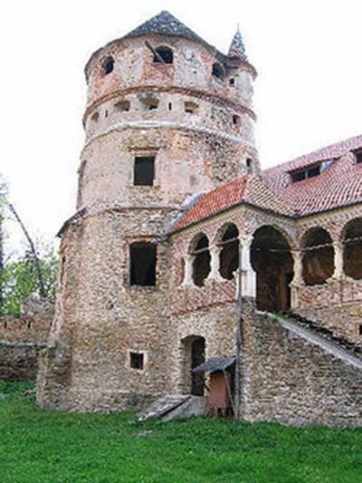 keresdi várkastély 3 (1)