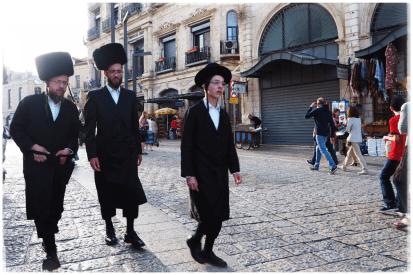Juifs orthodoxes, porte de Jaffa, à Jérusalem.