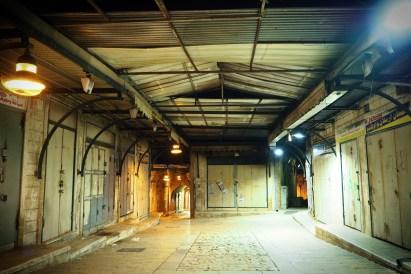 Vieux souk de Nazareth, de nuit.