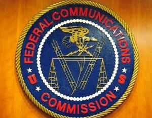 0930 oag fcc - FCC propone nuevas tarifas para licencias de radioaficionados