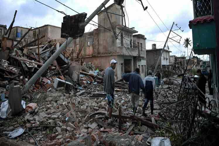 cuba temporal18 - RadioAficionados Cubanos  Responden al Tornado Severo que paso por aya