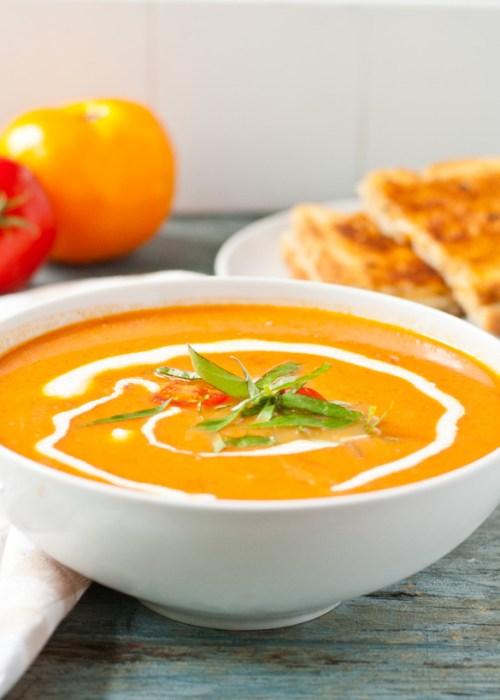 easy-garden-fresh-tomato-basil-soup-