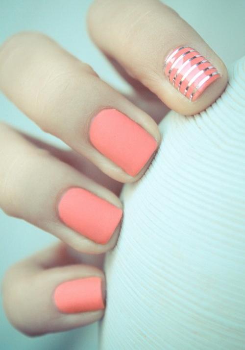 simple-nail-art-stripes
