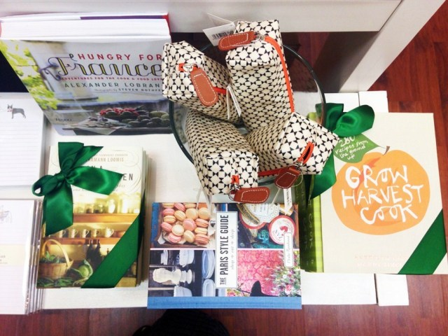 Mrs-Post-Stationery-Memphis-Holiday-Preview-Party-KP-Fusion-6