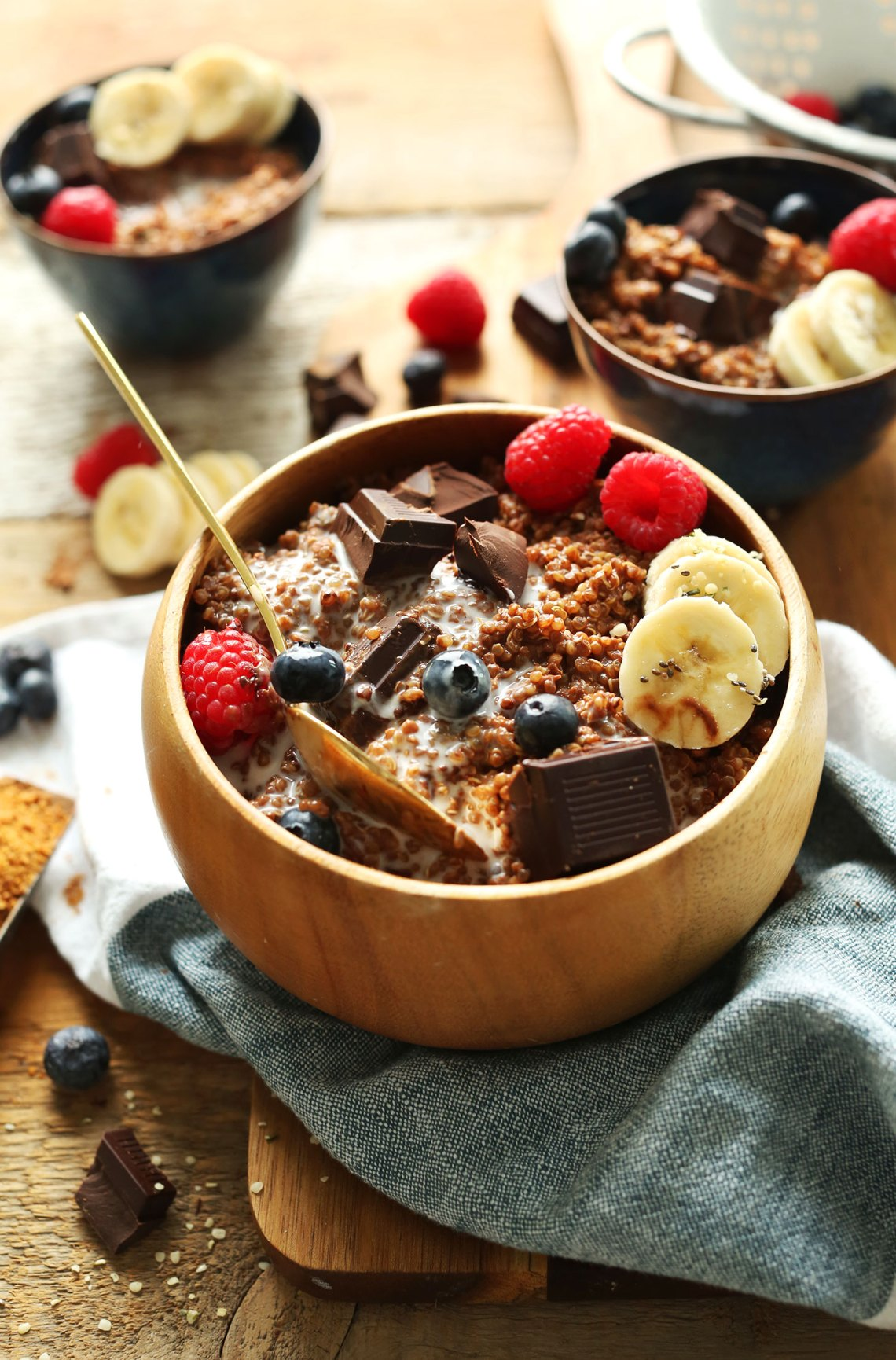 Dark Chocolate Quinoa Breakfast Bowl
