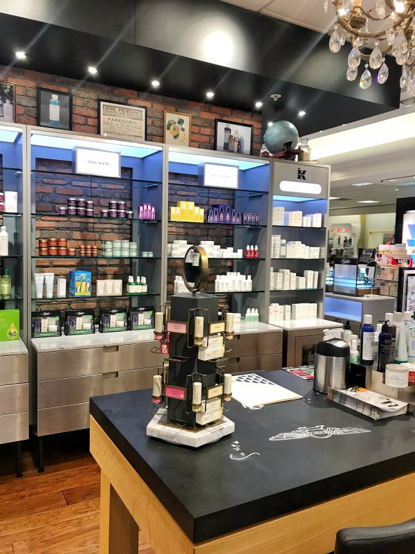 Blogger beauty kiehls skincare Dillards Wolfchase